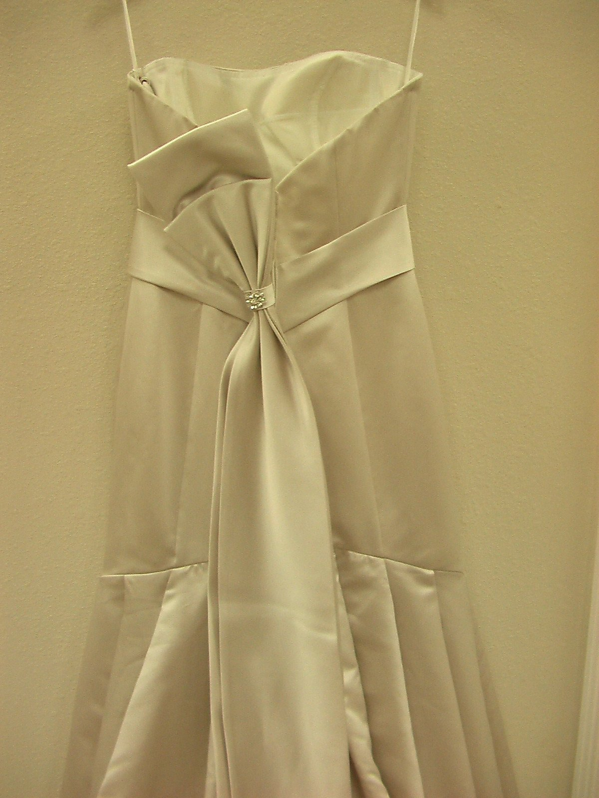 Casablanca 1910 Gold size 10 In Stock Wedding Dress - Tom's Bridal