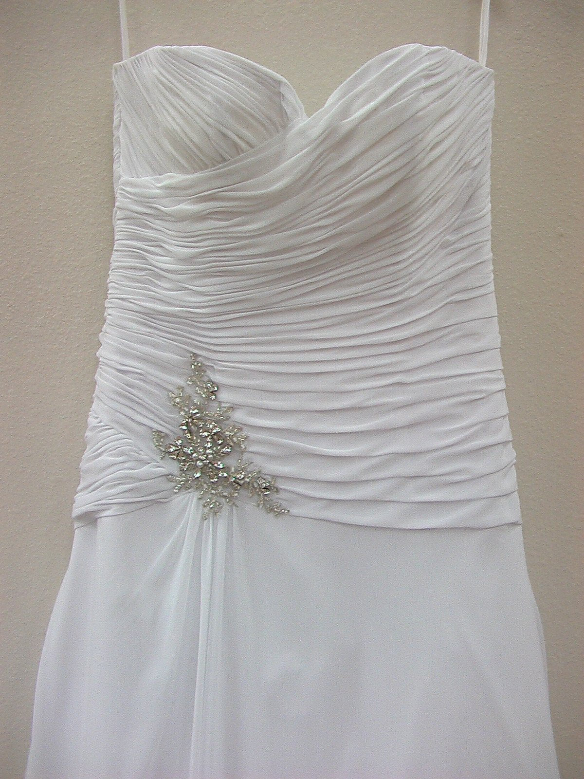 Dere Kiang 11046 White/Silver size 14 In Stock Wedding Dress - Tom's Bridal