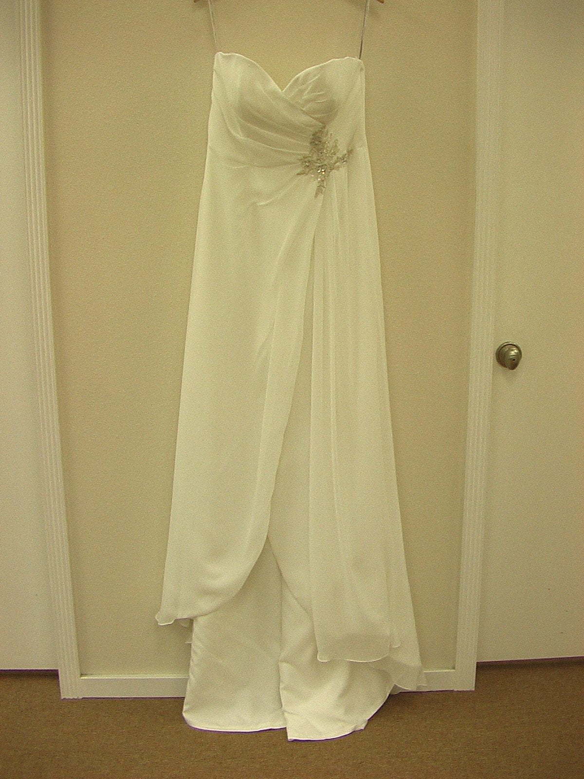 Moonlight T525 Ivory size 14 In Stock Wedding Dress - Tom's Bridal