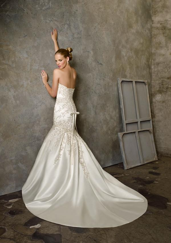 Mori Lee 2512 Ivory/Silver size 10 In Stock Wedding Dress