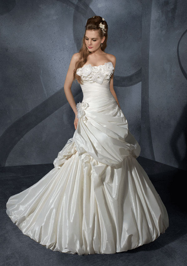 Mori Lee 2904 Ivory size 8 In Stock Wedding Dress