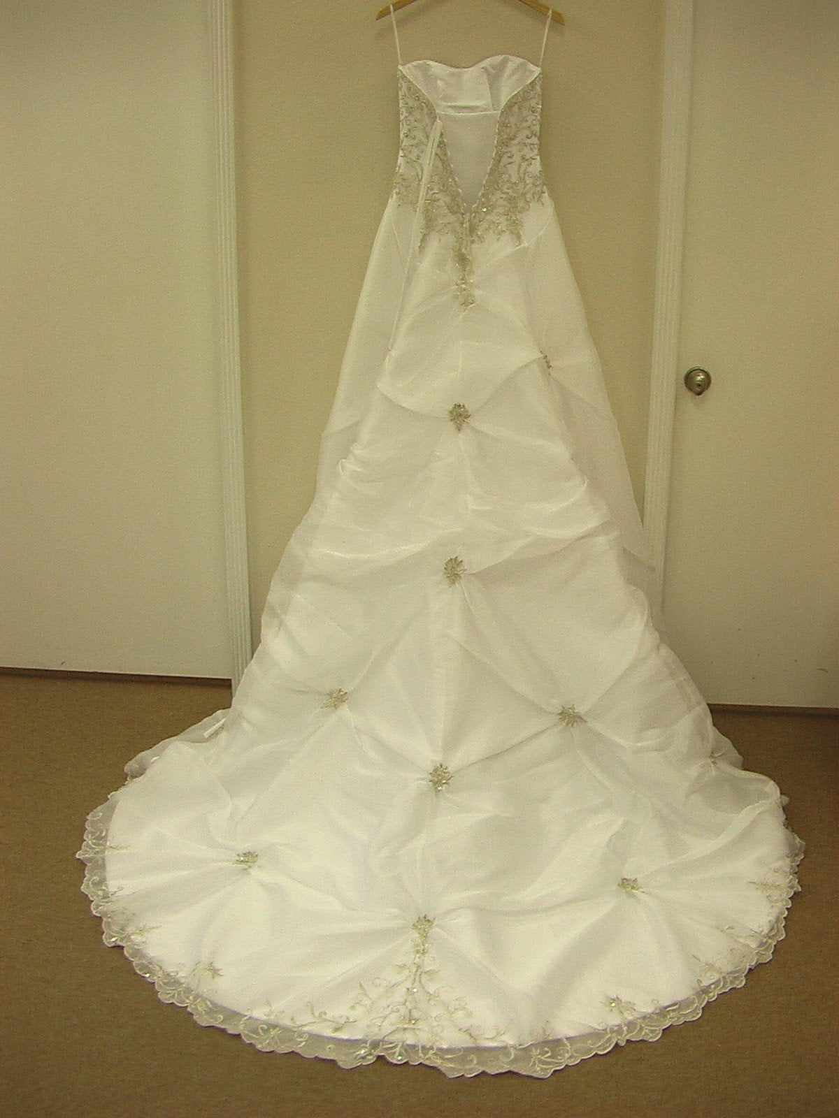Mori Lee Blu 4133 White/Silver size 6 In Stock Wedding Dress - Tom's Bridal