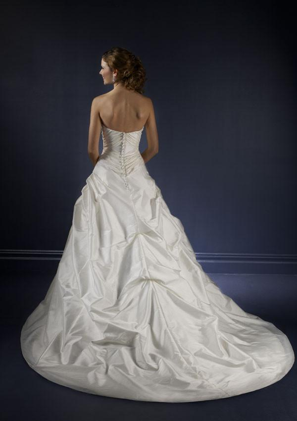 Mori Lee Blu 4163 Pearl size 6 In Stock Wedding Dress - Tom's Bridal
