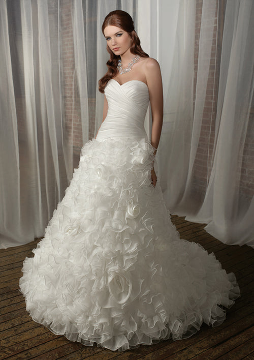 "Mori Lee Blu 4866 Ivory size 6 In Stock Wedding Dress 58"" Length-New"