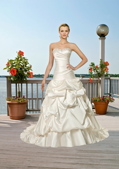 Mori Lee Voyage 6507 Ivory/Silver size 14 In Stock Destination Beach Wedding Dress