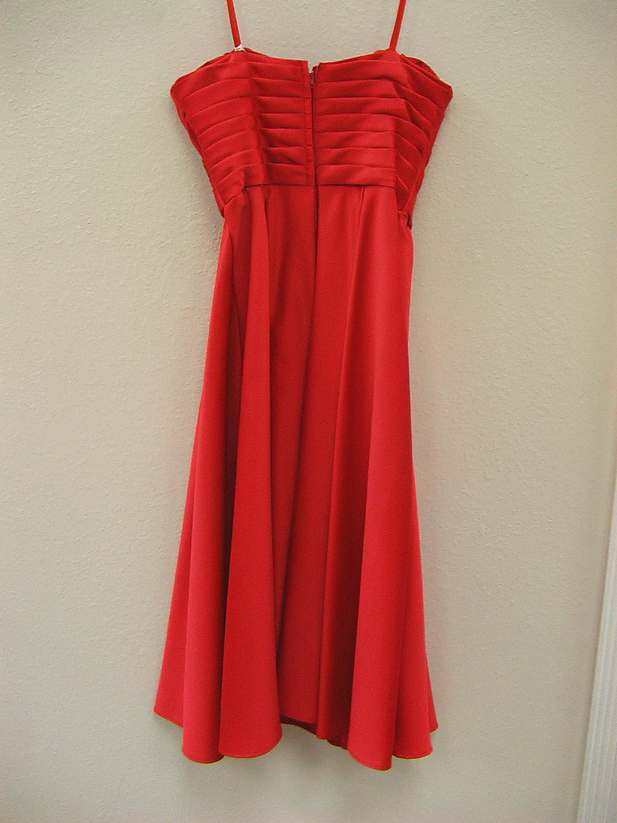 Mori Lee 887 Red size 10 In Stock Bridesmaid Dress - Tom's Bridal