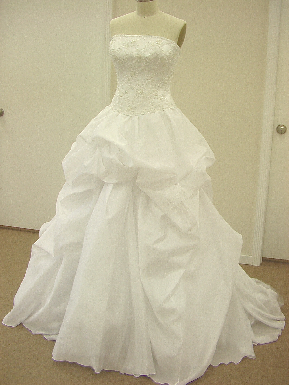 Pattis 958 Allete Ivory size 12 In Stock Wedding Dress - Tom's Bridal