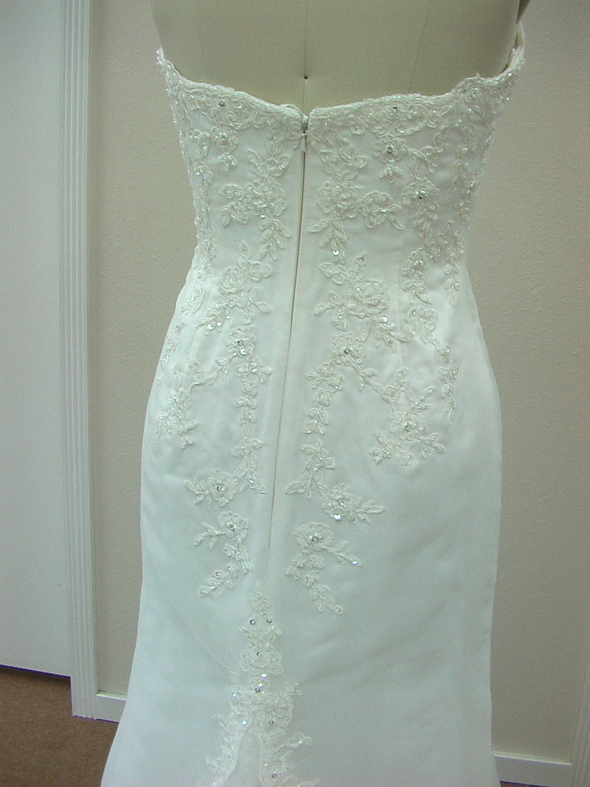 Pattis 2117 Amarante Ivory size 10 In Stock Wedding Dress - Tom's Bridal
