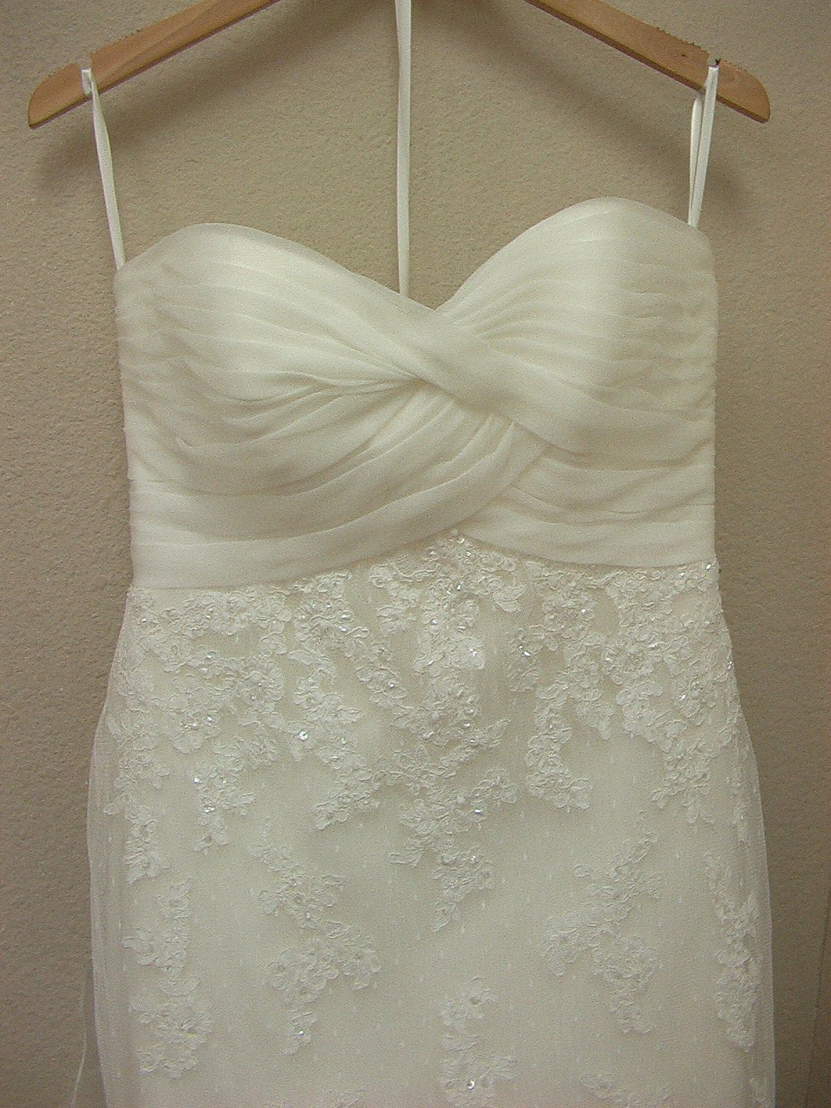 White One 3052 by Pronovias Off White size 10 In Stock Wedding Dress - Tom's Bridal