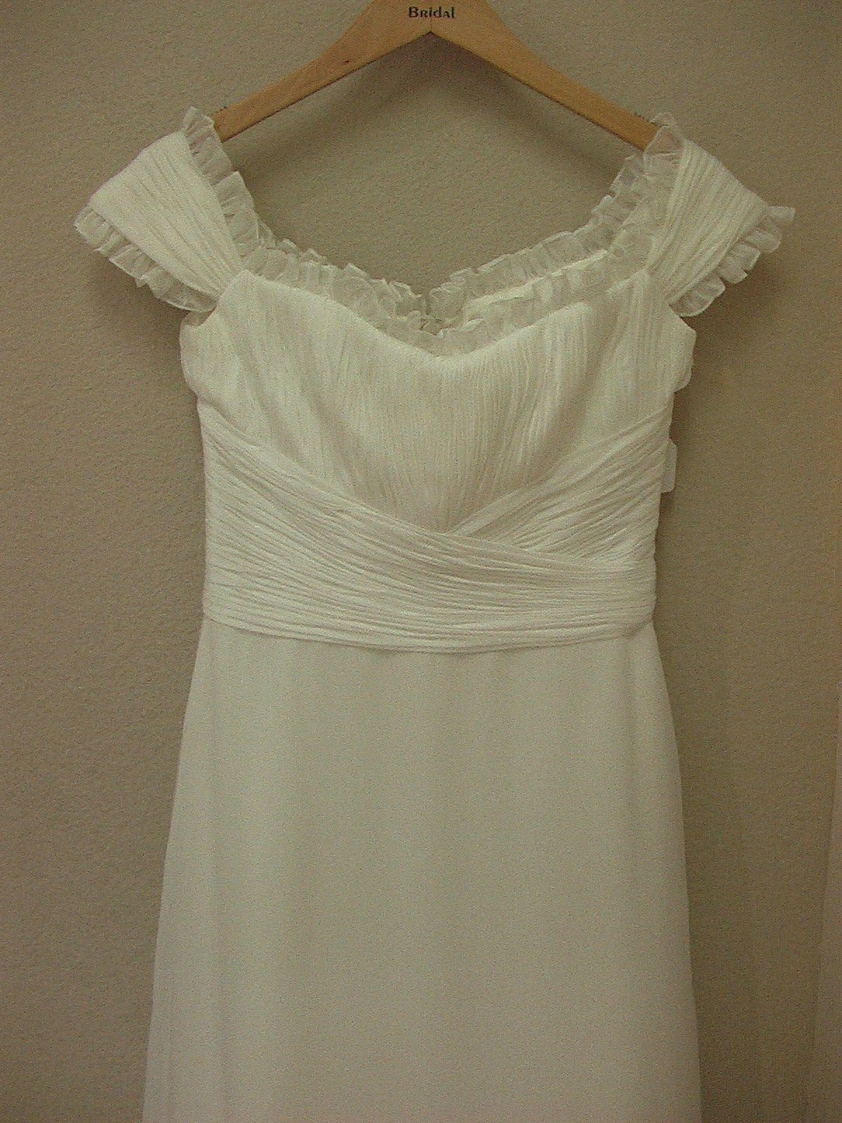 White One 417 by Pronovias Off White size 10 In Stock Wedding Dress - Tom's Bridal