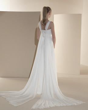 White One 439 by Pronovias Off White size 12 In Stock Wedding Dress - Tom's Bridal