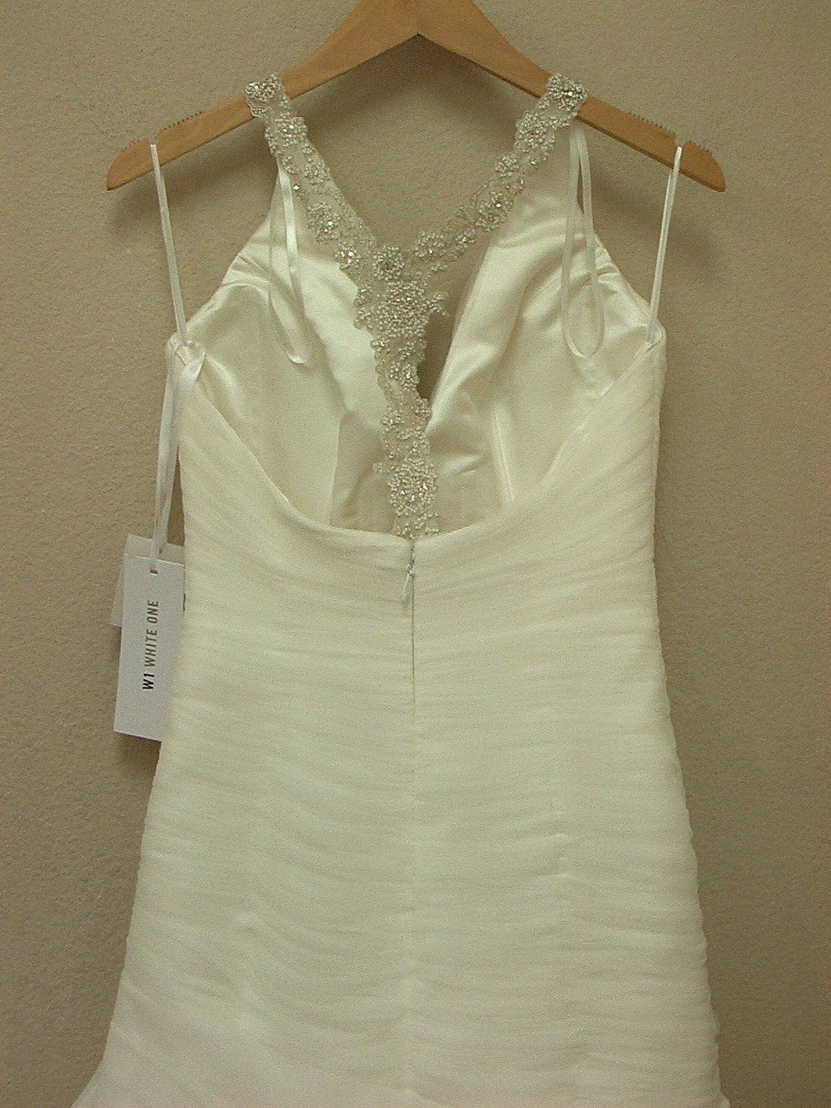 White One Nopal by Pronovias Off White size 8 In Stock Wedding Dress - Tom's Bridal
