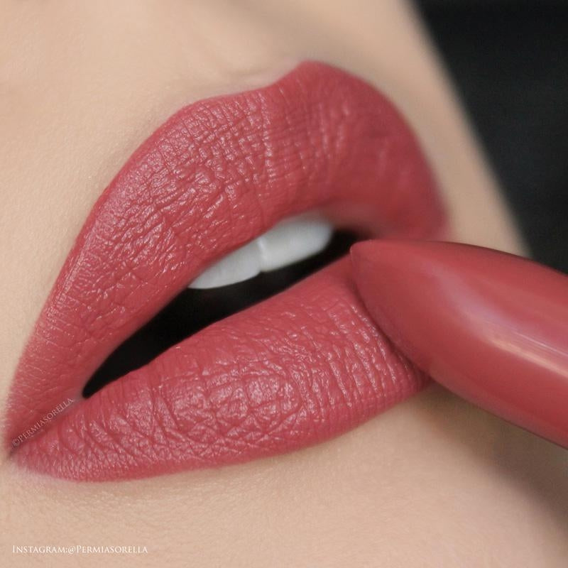 Load image into Gallery viewer, Youngblood Lipstick 4g - Smolder