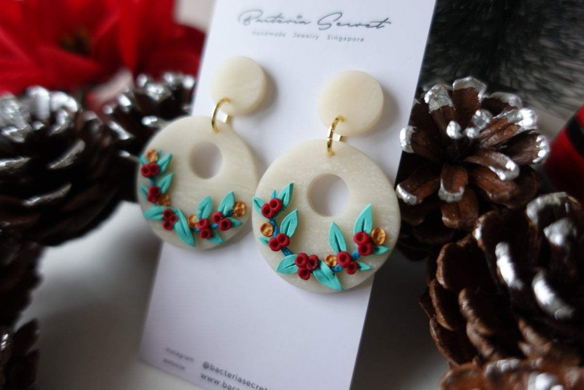 Christmas Wreath Polymer Clay Earrings 3.1