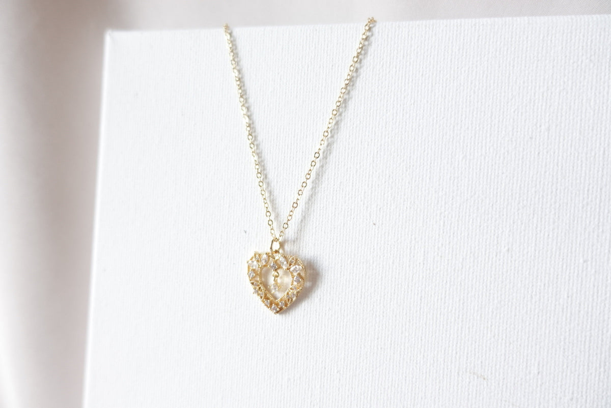 18k Vintage Heart Short Necklace