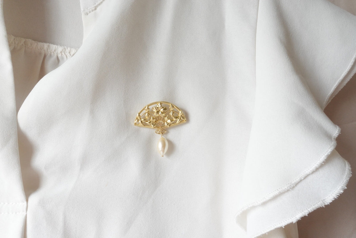 Golden Pearl Fan Brooch