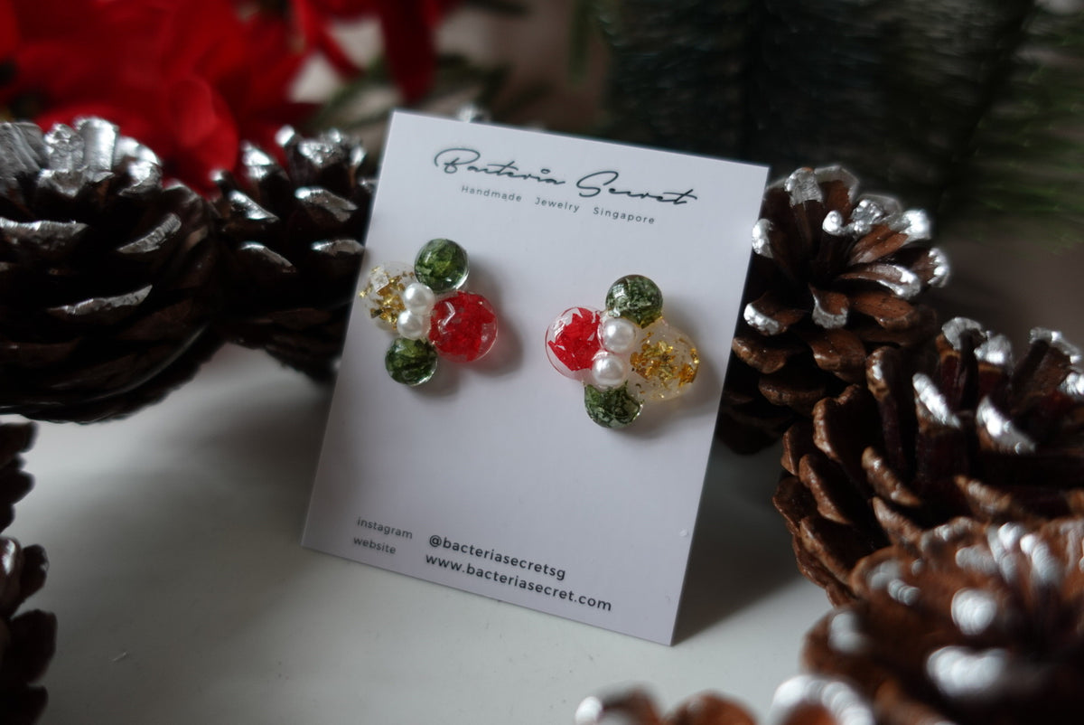 Cadelavia Christmas Wreath Studs