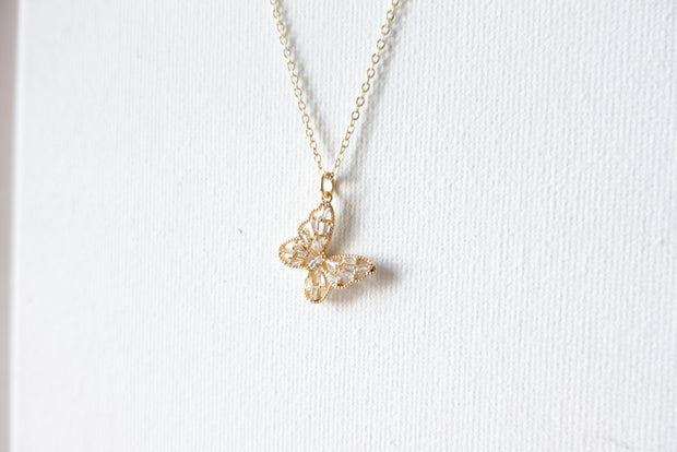 18k Vintage Dangling Butterfly Short Necklace