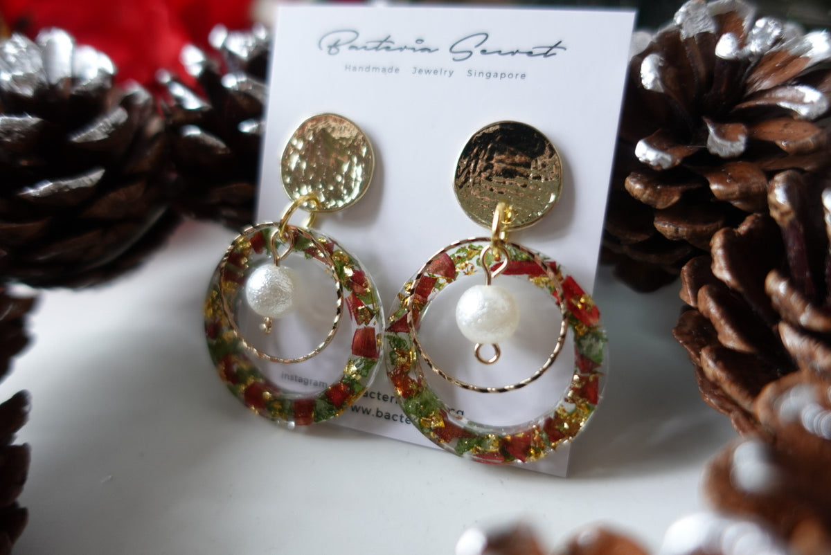 Cadenza Christmas Wreath Earrings