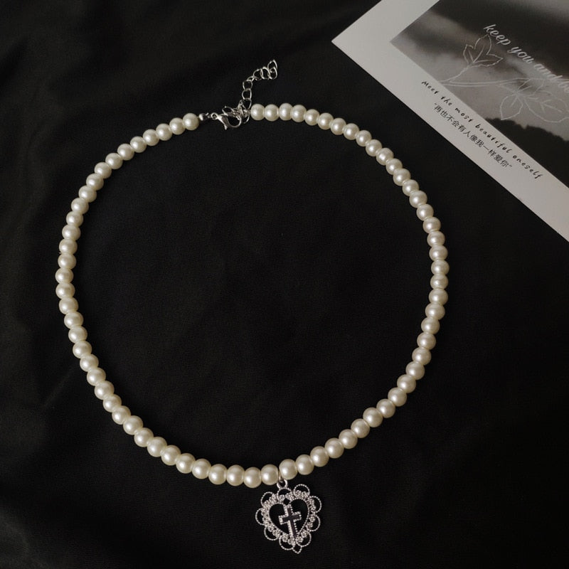 PEARL HEART CROSS Choker
