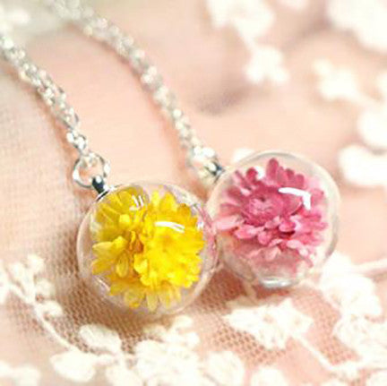 Dried Flower Terrarium Necklace (Small Yellow Petals)