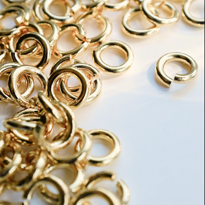 sustainable earrings with high-quality brass