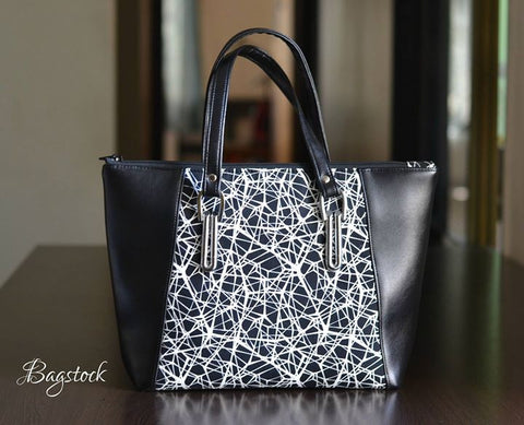 Everyday Tote with top zipper