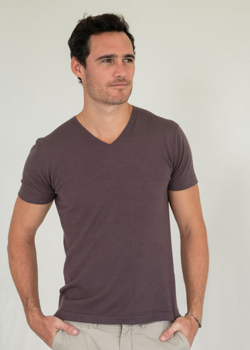 JEM | Our comfort V neck t-shirt
