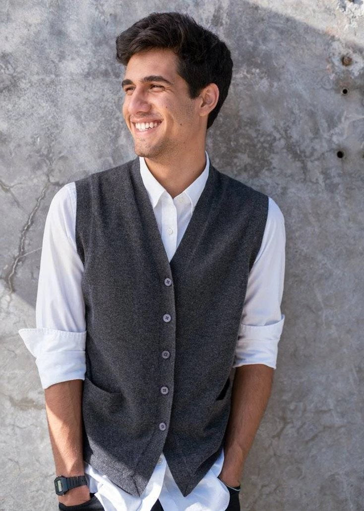 JASON | Our sleeveless cardigan