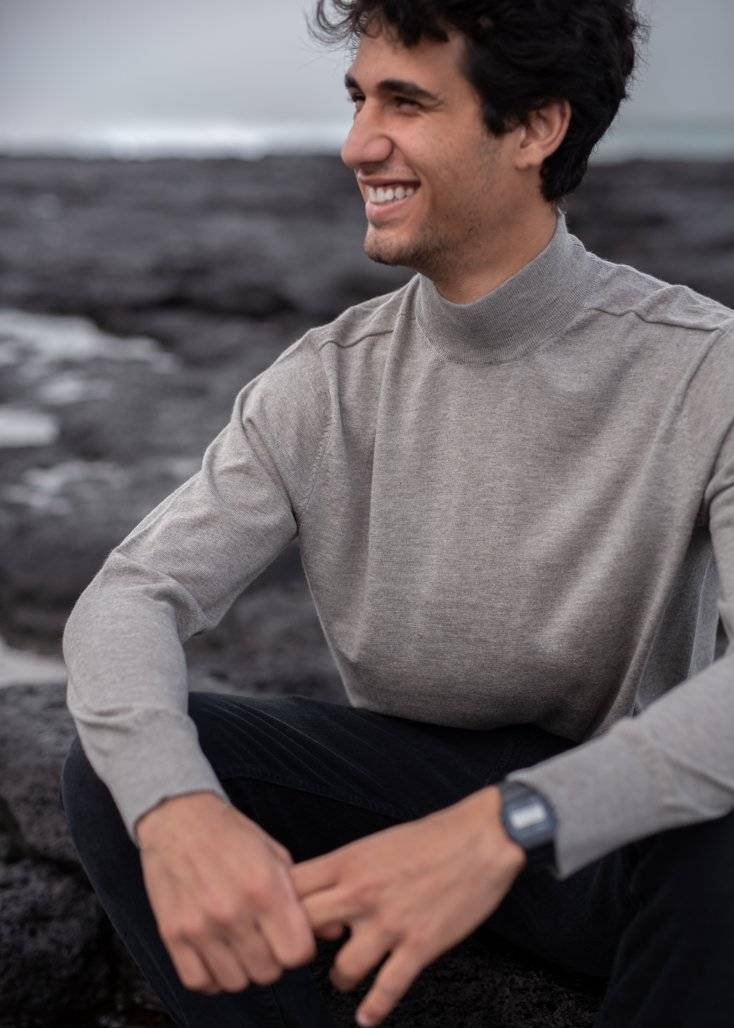 JULIEN | Our fine-knit high neck
