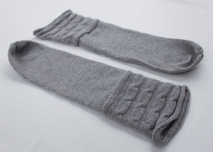 UNA | Our cashmere socks