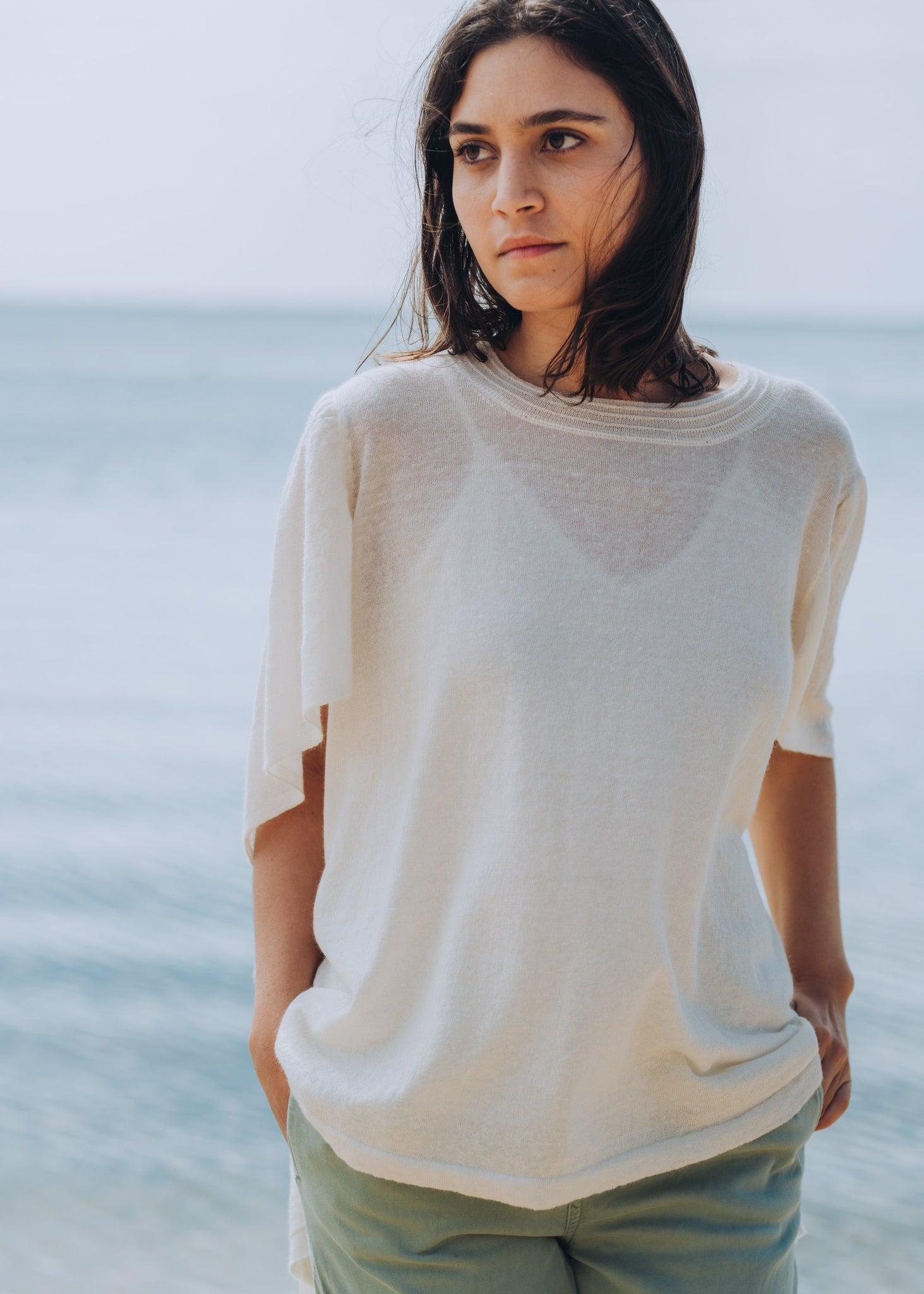 ANMIKA | Our fine linen mix Poncho