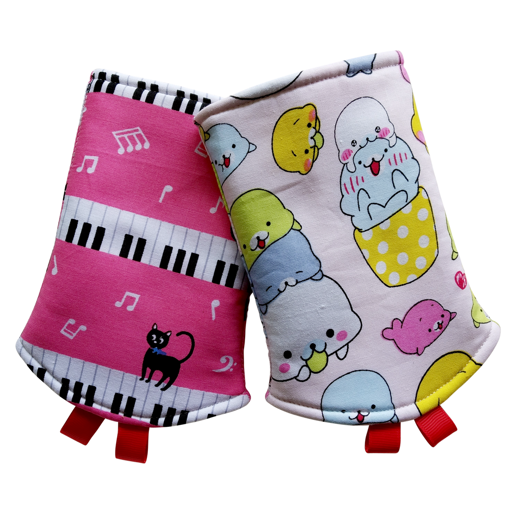 Musical Piano Cats with Seal Stacked in Reverse Straight Drool Pads - Little One Layette