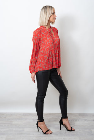MADELINE PLEAT TOP - RED PRINT
