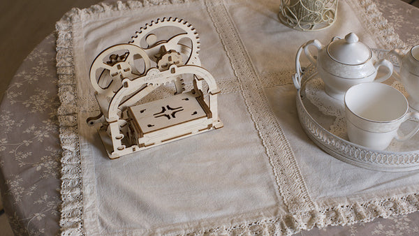 Treasure Box - build your own working model by UGears - UGears - 8