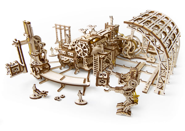 Robot Factory - build your own mechanical town by UGears