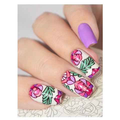 B15 Water Transfer Nail Art Outline Decal use different colours to line and fill the entire design.
