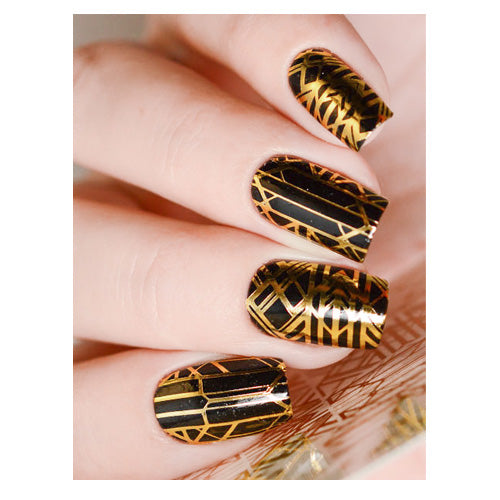 Milvart F136 Gold Abstract Lines Water Transfer Nail Art Decal use on nail varnish