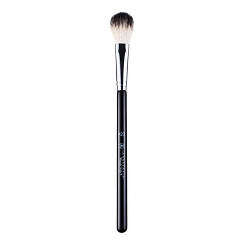 Anastasia Beverly Hills A23 Illuminator Brush