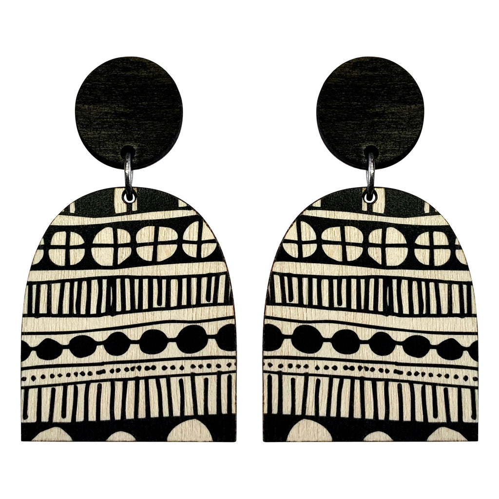 Statement wood doodle earrings in black