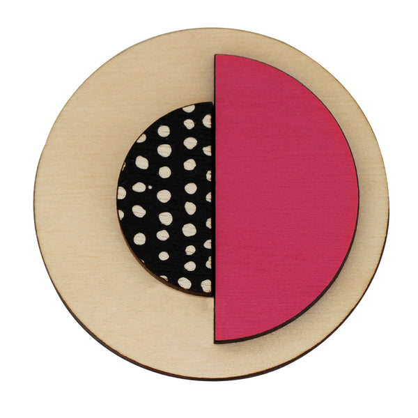 Circle brooch with spots in pink
