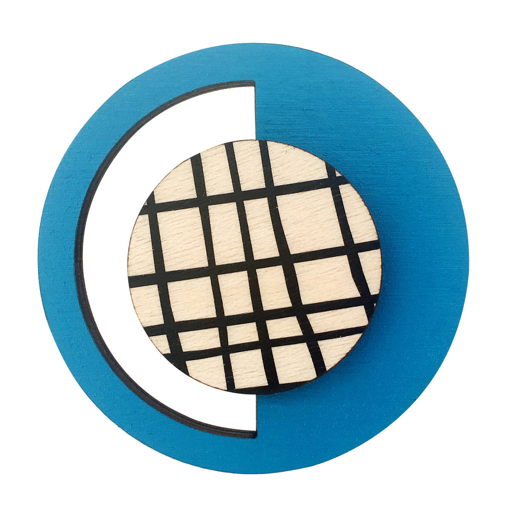 Geo brooch in blue