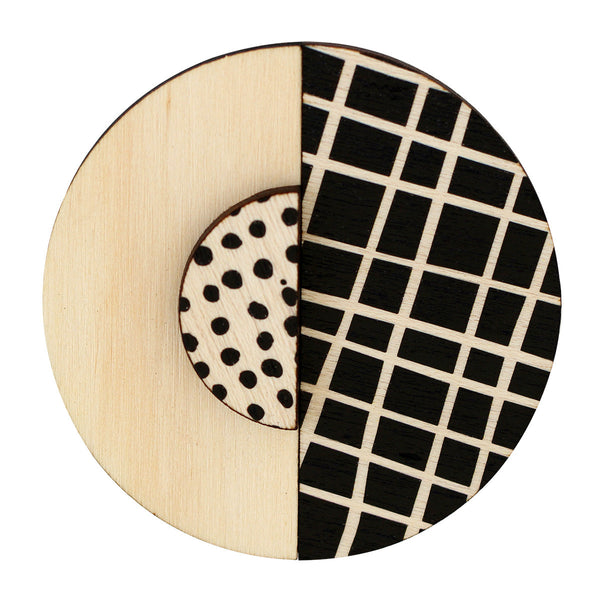 Lines and black spots brooch