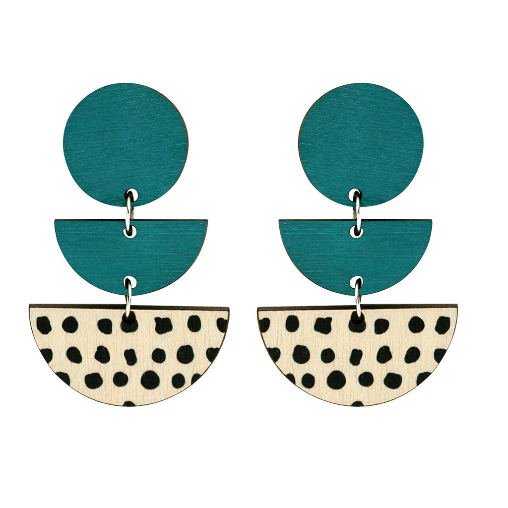 3 tiered earrings with spots in green