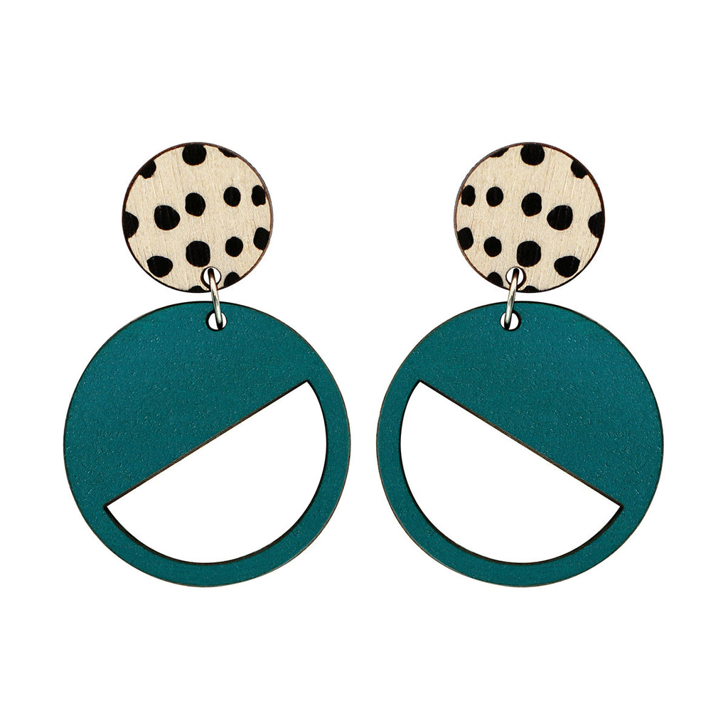 2 tiered earrings with spots in green