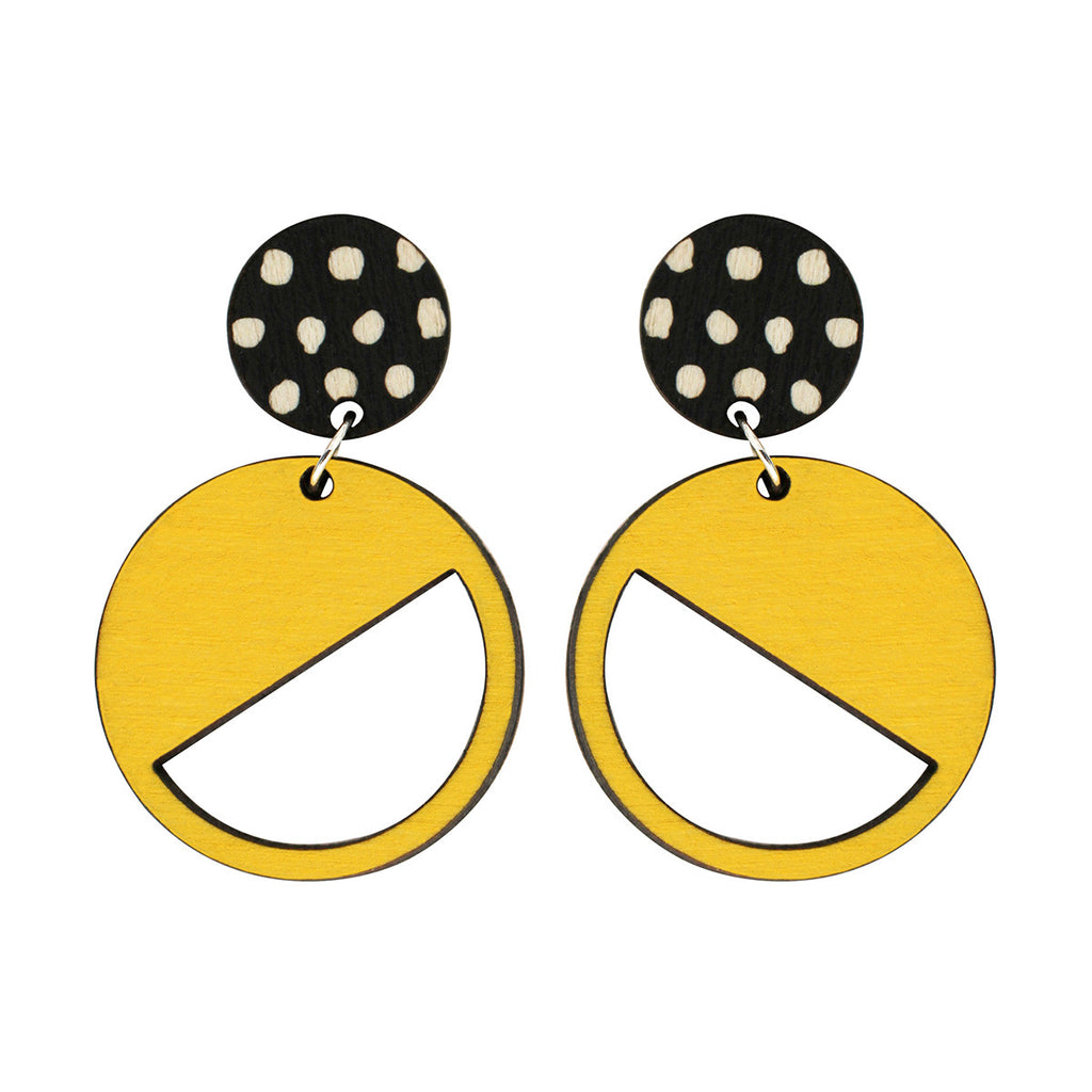 2 tiered earrings with spots in yellow