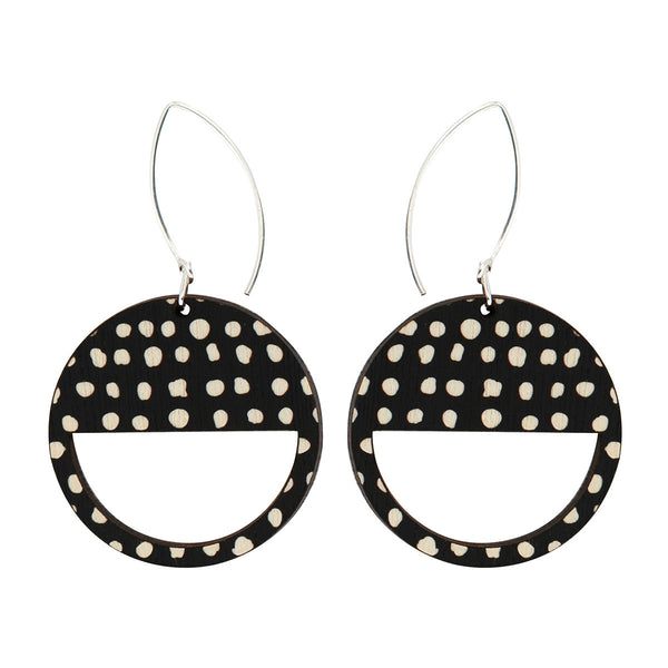 Geo earrings in black spots