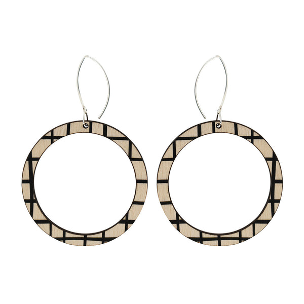 Hoop earrings with black lines