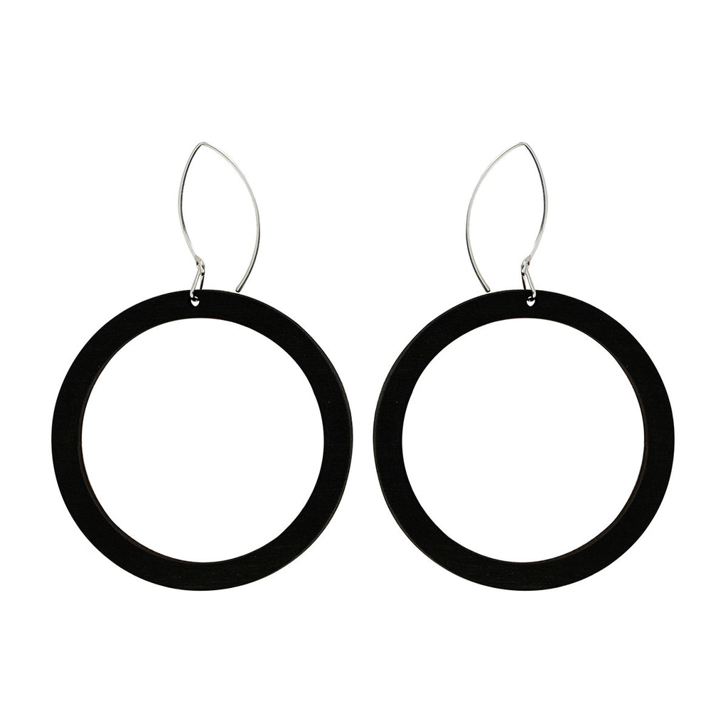 Hoop earrings in black