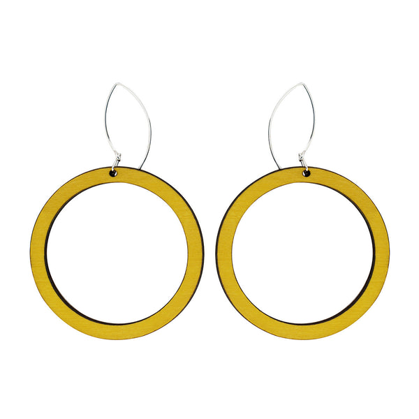 Hoop earrings in yellow